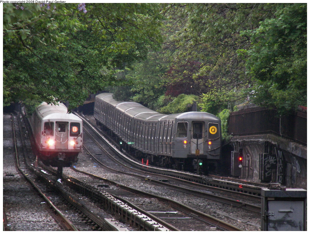 (345k, 1044x788)<br><b>Country:</b> United States<br><b>City:</b> New York<br><b>System:</b> New York City Transit<br><b>Line:</b> BMT Brighton Line<br><b>Location:</b> Avenue H <br><b>Route:</b> Q<br><b>Car:</b> R-68A (Kawasaki, 1988-1989)   <br><b>Photo by:</b> David-Paul Gerber<br><b>Date:</b> 5/15/2008<br><b>Viewed (this week/total):</b> 0 / 2350