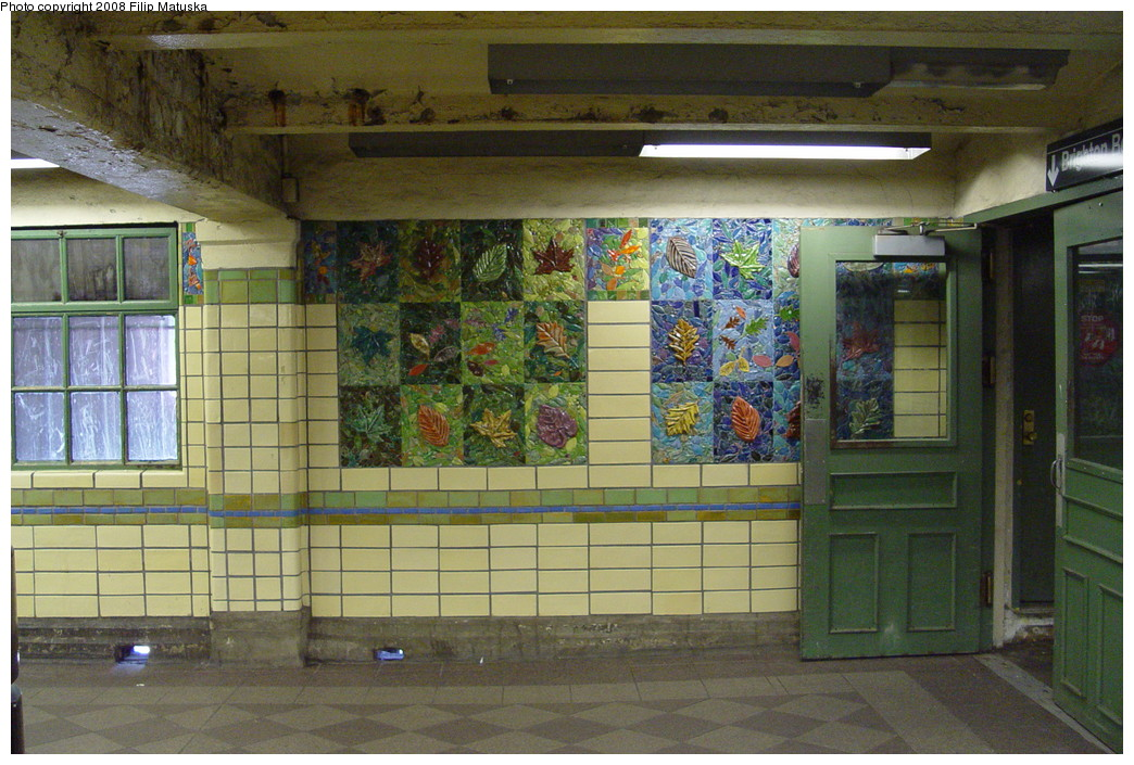(243k, 1044x705)<br><b>Country:</b> United States<br><b>City:</b> New York<br><b>System:</b> New York City Transit<br><b>Line:</b> BMT Brighton Line<br><b>Location:</b> Prospect Park <br><b>Photo by:</b> Filip Matuska<br><b>Date:</b> 6/8/2007<br><b>Artwork:</b> <i>Brighton Clay Re-Leaf</i>, Susan Tunick (1994).<br><b>Viewed (this week/total):</b> 2 / 1814