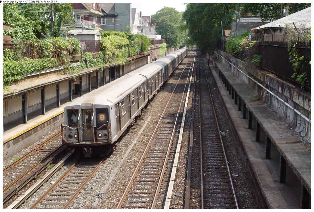 (319k, 1044x705)<br><b>Country:</b> United States<br><b>City:</b> New York<br><b>System:</b> New York City Transit<br><b>Line:</b> BMT Brighton Line<br><b>Location:</b> Beverley Road <br><b>Route:</b> B<br><b>Car:</b> R-40 (St. Louis, 1968)   <br><b>Photo by:</b> Filip Matuska<br><b>Date:</b> 6/8/2007<br><b>Viewed (this week/total):</b> 1 / 2210