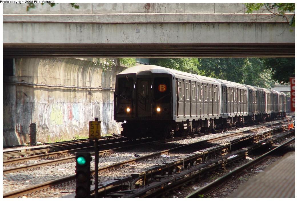(260k, 1044x705)<br><b>Country:</b> United States<br><b>City:</b> New York<br><b>System:</b> New York City Transit<br><b>Line:</b> BMT Brighton Line<br><b>Location:</b> Cortelyou Road <br><b>Route:</b> B<br><b>Car:</b> R-40 (St. Louis, 1968)  4411 <br><b>Photo by:</b> Filip Matuska<br><b>Date:</b> 6/8/2007<br><b>Viewed (this week/total):</b> 0 / 1668