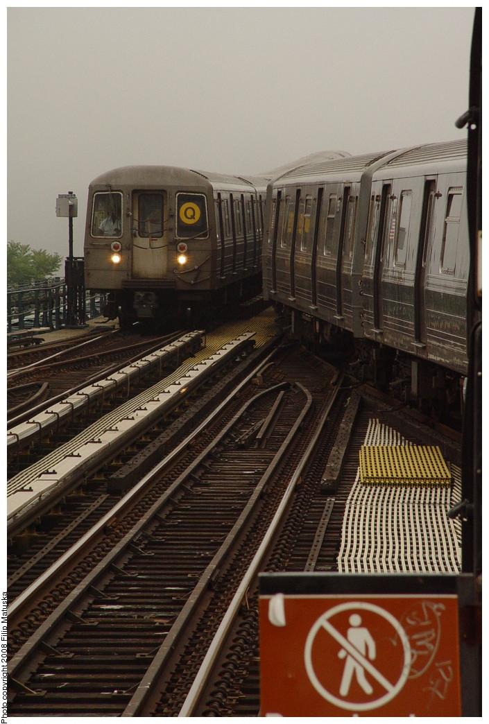 (211k, 705x1044)<br><b>Country:</b> United States<br><b>City:</b> New York<br><b>System:</b> New York City Transit<br><b>Line:</b> BMT Brighton Line<br><b>Location:</b> Ocean Parkway <br><b>Route:</b> Q<br><b>Car:</b> R-68/R-68A Series (Number Unknown)  <br><b>Photo by:</b> Filip Matuska<br><b>Date:</b> 6/8/2007<br><b>Viewed (this week/total):</b> 0 / 1574