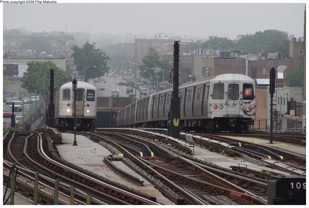 (241k, 1044x705)<br><b>Country:</b> United States<br><b>City:</b> New York<br><b>System:</b> New York City Transit<br><b>Line:</b> BMT Culver Line<br><b>Location:</b> Ditmas Avenue <br><b>Route:</b> F<br><b>Car:</b> R-46 (Pullman-Standard, 1974-75)  <br><b>Photo by:</b> Filip Matuska<br><b>Date:</b> 6/8/2007<br><b>Viewed (this week/total):</b> 0 / 2119