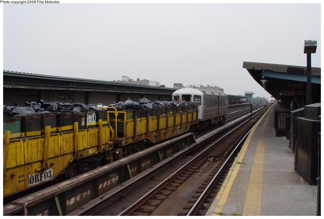 (170k, 1044x705)<br><b>Country:</b> United States<br><b>City:</b> New York<br><b>System:</b> New York City Transit<br><b>Line:</b> BMT Culver Line<br><b>Location:</b> Ditmas Avenue <br><b>Route:</b> Work Service<br><b>Car:</b> R-127/R-134 (Kawasaki, 1991-1996) EP007 <br><b>Photo by:</b> Filip Matuska<br><b>Date:</b> 6/9/2007<br><b>Viewed (this week/total):</b> 0 / 1357