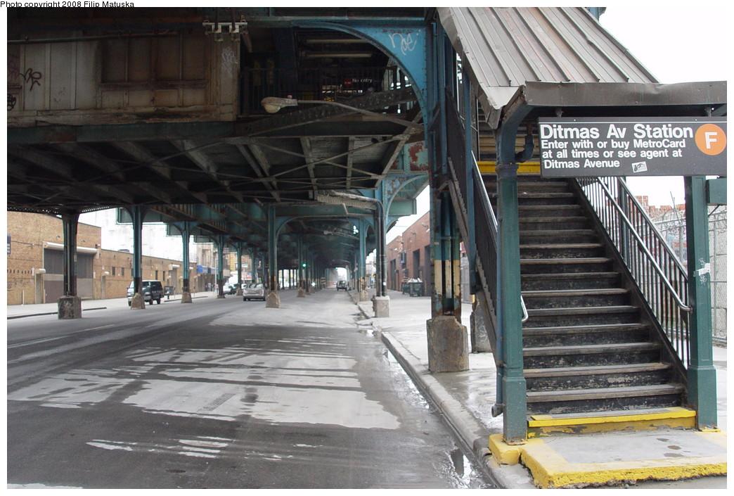 (222k, 1044x705)<br><b>Country:</b> United States<br><b>City:</b> New York<br><b>System:</b> New York City Transit<br><b>Line:</b> BMT Culver Line<br><b>Location:</b> Ditmas Avenue <br><b>Photo by:</b> Filip Matuska<br><b>Date:</b> 6/9/2007<br><b>Viewed (this week/total):</b> 1 / 1619