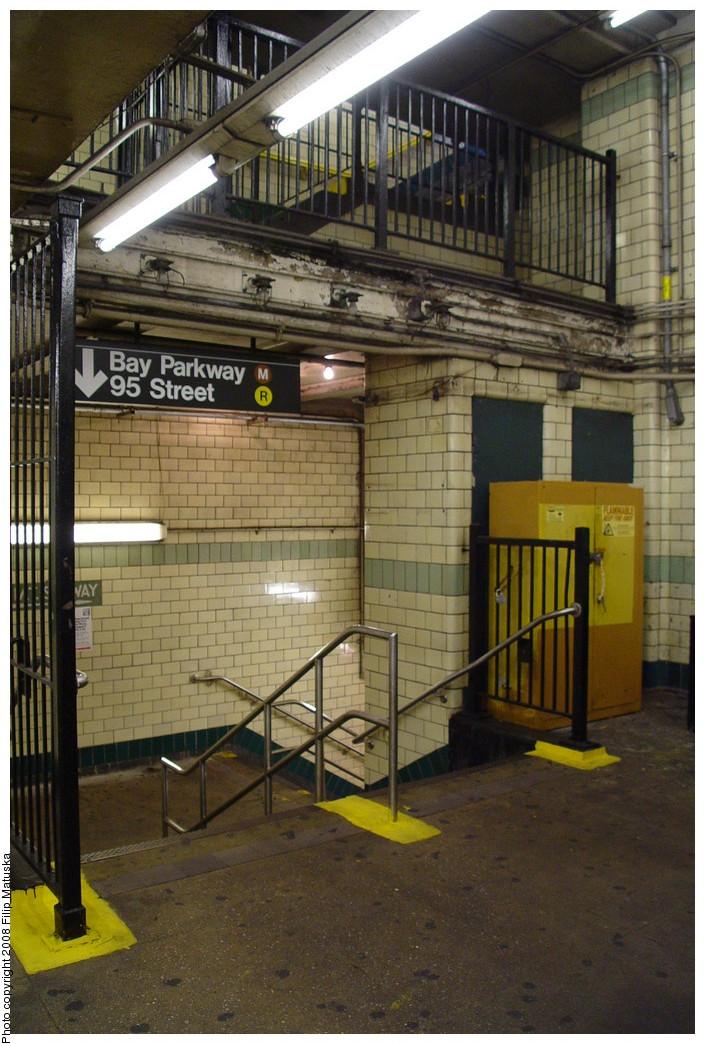 (224k, 705x1044)<br><b>Country:</b> United States<br><b>City:</b> New York<br><b>System:</b> New York City Transit<br><b>Line:</b> IND Crosstown Line<br><b>Location:</b> 4th Avenue <br><b>Photo by:</b> Filip Matuska<br><b>Date:</b> 6/9/2007<br><b>Viewed (this week/total):</b> 0 / 1136