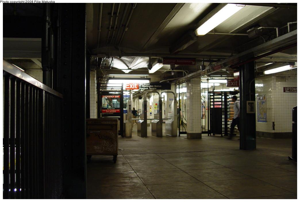 (173k, 1044x705)<br><b>Country:</b> United States<br><b>City:</b> New York<br><b>System:</b> New York City Transit<br><b>Line:</b> IND 8th Avenue Line<br><b>Location:</b> 181st Street <br><b>Photo by:</b> Filip Matuska<br><b>Date:</b> 6/10/2007<br><b>Viewed (this week/total):</b> 0 / 1370