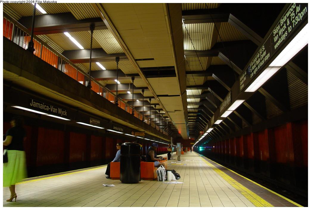 (208k, 1044x705)<br><b>Country:</b> United States<br><b>City:</b> New York<br><b>System:</b> New York City Transit<br><b>Line:</b> IND Queens Boulevard Line<br><b>Location:</b> Jamaica/Van Wyck <br><b>Photo by:</b> Filip Matuska<br><b>Date:</b> 6/11/2007<br><b>Viewed (this week/total):</b> 0 / 1139
