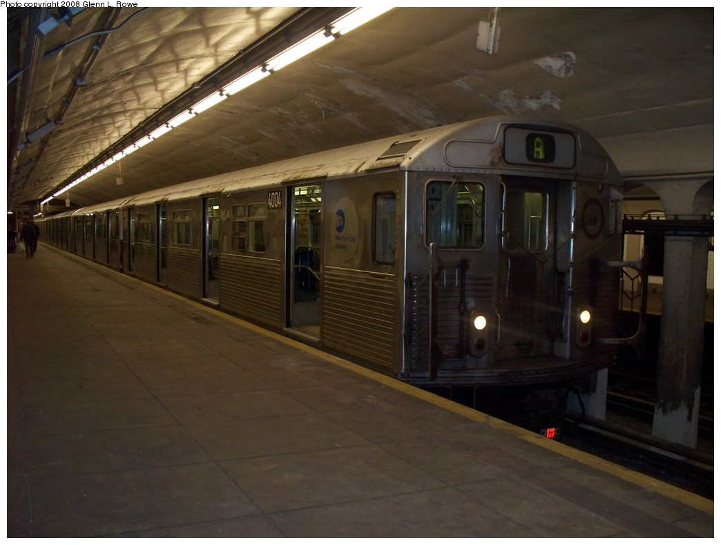 (170k, 1044x789)<br><b>Country:</b> United States<br><b>City:</b> New York<br><b>System:</b> New York City Transit<br><b>Line:</b> IND 8th Avenue Line<br><b>Location:</b> 190th Street/Overlook Terrace <br><b>Route:</b> A<br><b>Car:</b> R-38 (St. Louis, 1966-1967)  4004 <br><b>Photo by:</b> Glenn L. Rowe<br><b>Date:</b> 5/23/2008<br><b>Viewed (this week/total):</b> 0 / 1541