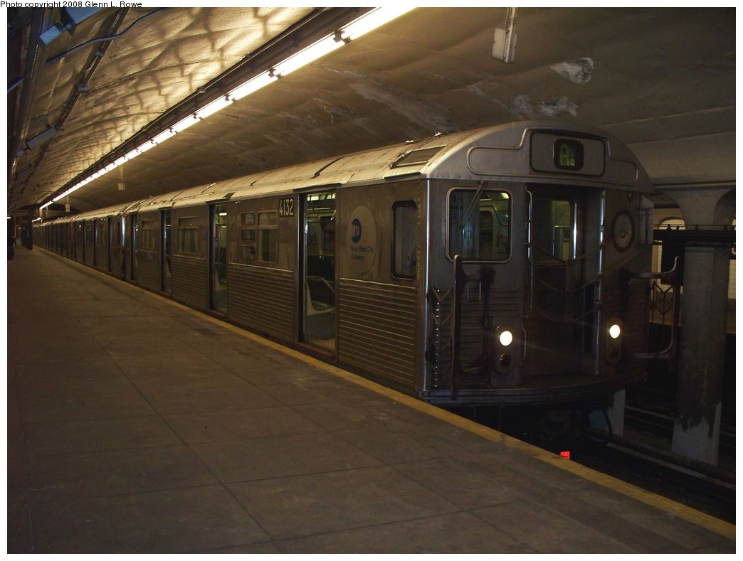 (175k, 1044x789)<br><b>Country:</b> United States<br><b>City:</b> New York<br><b>System:</b> New York City Transit<br><b>Line:</b> IND 8th Avenue Line<br><b>Location:</b> 190th Street/Overlook Terrace <br><b>Route:</b> A<br><b>Car:</b> R-38 (St. Louis, 1966-1967)  4132 <br><b>Photo by:</b> Glenn L. Rowe<br><b>Date:</b> 5/23/2008<br><b>Viewed (this week/total):</b> 0 / 1742
