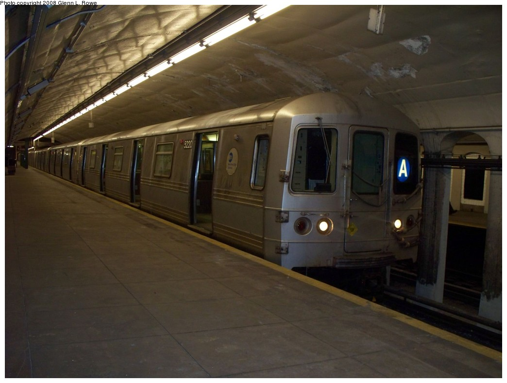 (164k, 1044x789)<br><b>Country:</b> United States<br><b>City:</b> New York<br><b>System:</b> New York City Transit<br><b>Line:</b> IND 8th Avenue Line<br><b>Location:</b> 190th Street/Overlook Terrace <br><b>Route:</b> A<br><b>Car:</b> R-44 (St. Louis, 1971-73) 5220 <br><b>Photo by:</b> Glenn L. Rowe<br><b>Date:</b> 5/22/2008<br><b>Viewed (this week/total):</b> 2 / 1466