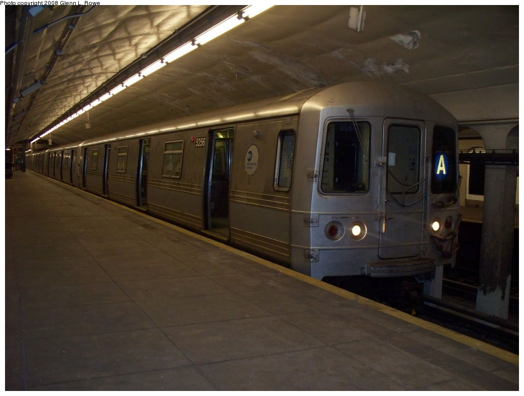 (162k, 1044x789)<br><b>Country:</b> United States<br><b>City:</b> New York<br><b>System:</b> New York City Transit<br><b>Line:</b> IND 8th Avenue Line<br><b>Location:</b> 190th Street/Overlook Terrace <br><b>Route:</b> A<br><b>Car:</b> R-44 (St. Louis, 1971-73) 5256 <br><b>Photo by:</b> Glenn L. Rowe<br><b>Date:</b> 5/21/2008<br><b>Viewed (this week/total):</b> 0 / 1712