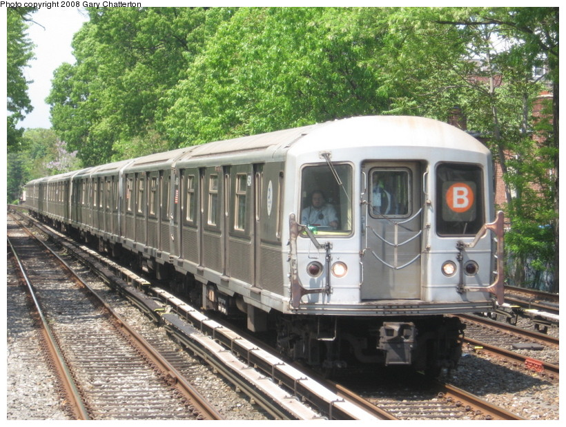 (203k, 820x620)<br><b>Country:</b> United States<br><b>City:</b> New York<br><b>System:</b> New York City Transit<br><b>Line:</b> BMT Brighton Line<br><b>Location:</b> Avenue J <br><b>Route:</b> B<br><b>Car:</b> R-40M (St. Louis, 1969)  4534 <br><b>Photo by:</b> Gary Chatterton<br><b>Date:</b> 5/21/2008<br><b>Viewed (this week/total):</b> 0 / 1863