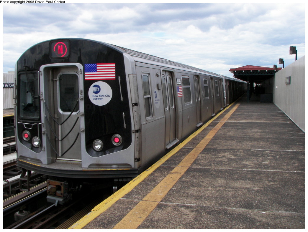 (263k, 1044x788)<br><b>Country:</b> United States<br><b>City:</b> New York<br><b>System:</b> New York City Transit<br><b>Line:</b> BMT Astoria Line<br><b>Location:</b> 39th/Beebe Aves. <br><b>Route:</b> N<br><b>Car:</b> R-160B (Kawasaki, 2005-2008)  8898 <br><b>Photo by:</b> David-Paul Gerber<br><b>Date:</b> 5/24/2008<br><b>Viewed (this week/total):</b> 0 / 2146