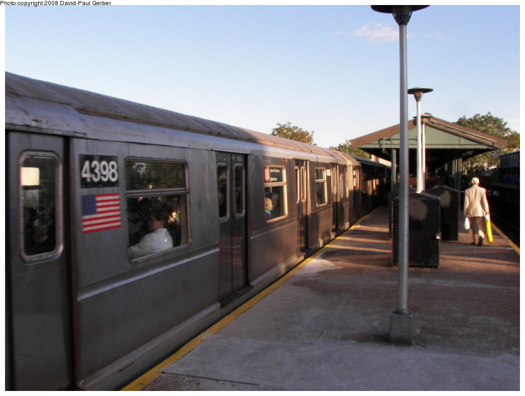 (208k, 1044x788)<br><b>Country:</b> United States<br><b>City:</b> New York<br><b>System:</b> New York City Transit<br><b>Line:</b> BMT Brighton Line<br><b>Location:</b> Kings Highway <br><b>Route:</b> B<br><b>Car:</b> R-40 (St. Louis, 1968)  4398 <br><b>Photo by:</b> David-Paul Gerber<br><b>Date:</b> 5/23/2008<br><b>Viewed (this week/total):</b> 0 / 1257
