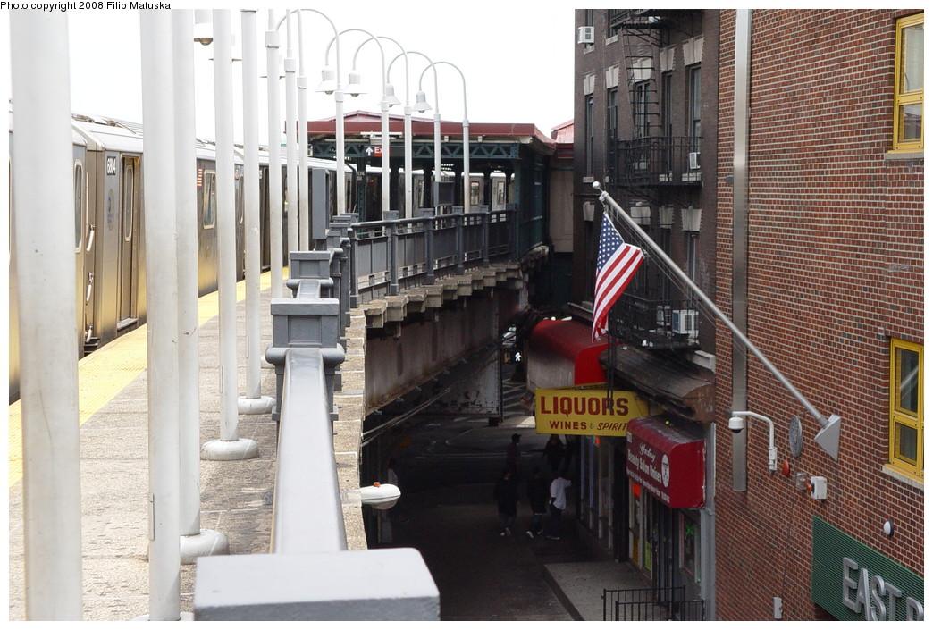(232k, 1044x705)<br><b>Country:</b> United States<br><b>City:</b> New York<br><b>System:</b> New York City Transit<br><b>Line:</b> IRT White Plains Road Line<br><b>Location:</b> 174th Street <br><b>Photo by:</b> Filip Matuska<br><b>Date:</b> 6/12/2007<br><b>Viewed (this week/total):</b> 1 / 2005