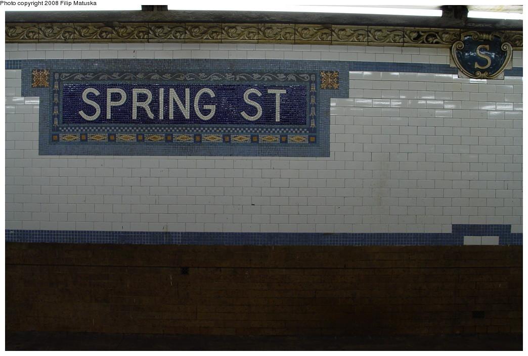 (179k, 1044x705)<br><b>Country:</b> United States<br><b>City:</b> New York<br><b>System:</b> New York City Transit<br><b>Line:</b> IRT East Side Line<br><b>Location:</b> Spring Street <br><b>Photo by:</b> Filip Matuska<br><b>Date:</b> 6/13/2007<br><b>Viewed (this week/total):</b> 0 / 1193