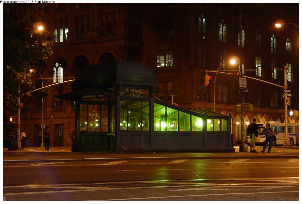 (190k, 1044x705)<br><b>Country:</b> United States<br><b>City:</b> New York<br><b>System:</b> New York City Transit<br><b>Line:</b> IRT East Side Line<br><b>Location:</b> Astor Place <br><b>Photo by:</b> Filip Matuska<br><b>Date:</b> 6/13/2007<br><b>Viewed (this week/total):</b> 4 / 1237