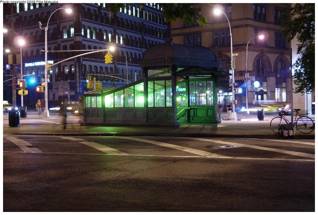 (224k, 1044x705)<br><b>Country:</b> United States<br><b>City:</b> New York<br><b>System:</b> New York City Transit<br><b>Line:</b> IRT East Side Line<br><b>Location:</b> Astor Place <br><b>Photo by:</b> Filip Matuska<br><b>Date:</b> 6/13/2007<br><b>Viewed (this week/total):</b> 0 / 1501