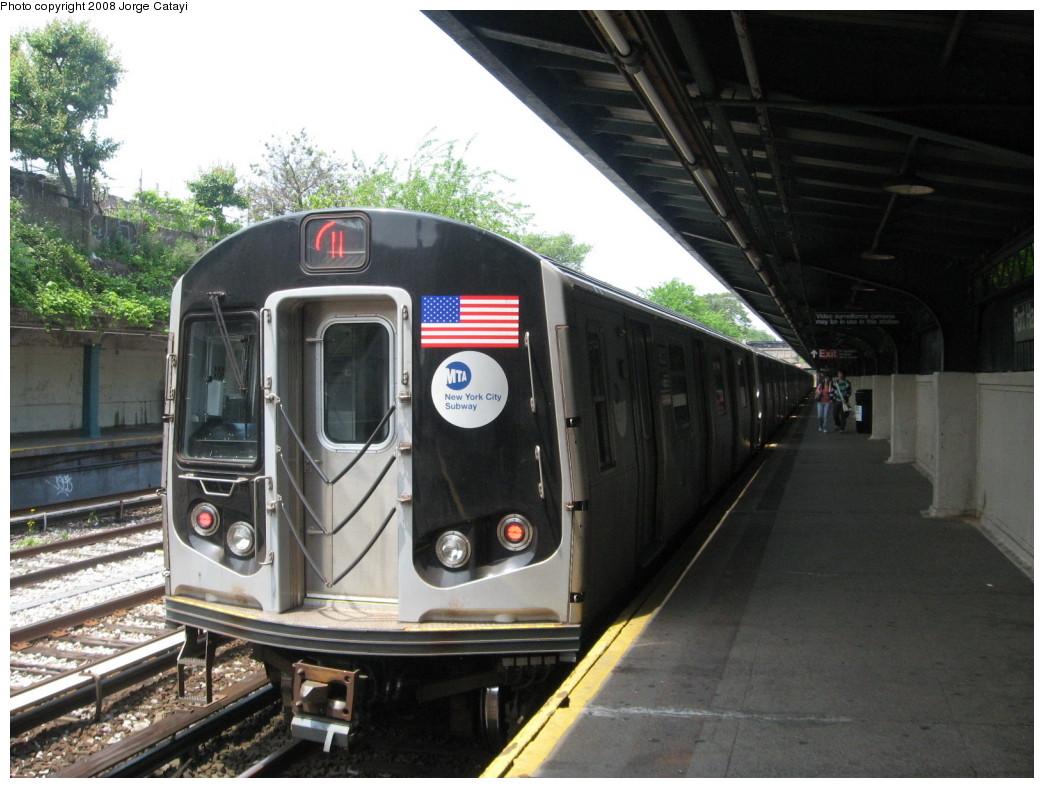 (212k, 1044x788)<br><b>Country:</b> United States<br><b>City:</b> New York<br><b>System:</b> New York City Transit<br><b>Line:</b> BMT Sea Beach Line<br><b>Location:</b> Fort Hamilton Parkway <br><b>Route:</b> N<br><b>Car:</b> R-160B (Kawasaki, 2005-2008)  8823 <br><b>Photo by:</b> Jorge Catayi<br><b>Date:</b> 5/27/2008<br><b>Viewed (this week/total):</b> 1 / 1509