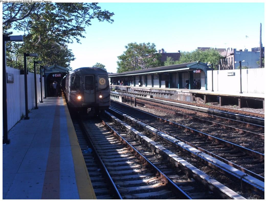 (244k, 1044x788)<br><b>Country:</b> United States<br><b>City:</b> New York<br><b>System:</b> New York City Transit<br><b>Line:</b> BMT Brighton Line<br><b>Location:</b> Avenue U <br><b>Route:</b> Q<br><b>Car:</b> R-68A (Kawasaki, 1988-1989)  5134 <br><b>Photo by:</b> Rayvon Owens<br><b>Date:</b> 5/25/2008<br><b>Viewed (this week/total):</b> 0 / 1788
