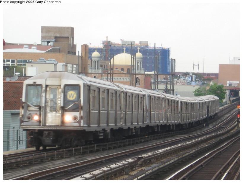 (122k, 820x620)<br><b>Country:</b> United States<br><b>City:</b> New York<br><b>System:</b> New York City Transit<br><b>Line:</b> BMT Astoria Line<br><b>Location:</b> Broadway <br><b>Route:</b> W<br><b>Car:</b> R-40 (St. Louis, 1968)  4319 <br><b>Photo by:</b> Gary Chatterton<br><b>Date:</b> 5/21/2008<br><b>Viewed (this week/total):</b> 0 / 1470