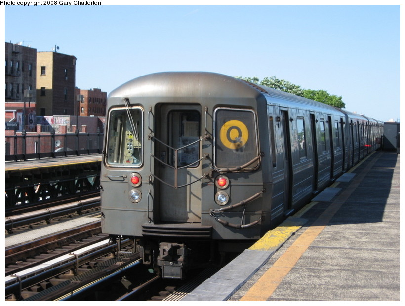 (134k, 820x620)<br><b>Country:</b> United States<br><b>City:</b> New York<br><b>System:</b> New York City Transit<br><b>Line:</b> BMT Astoria Line<br><b>Location:</b> 36th/Washington Aves. <br><b>Route:</b> Q reroute<br><b>Car:</b> R-68A (Kawasaki, 1988-1989)  5064 <br><b>Photo by:</b> Gary Chatterton<br><b>Date:</b> 5/25/2008<br><b>Viewed (this week/total):</b> 0 / 1624