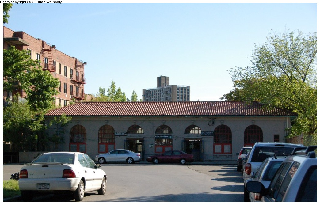 (250k, 1044x669)<br><b>Country:</b> United States<br><b>City:</b> New York<br><b>System:</b> New York City Transit<br><b>Line:</b> IRT Dyre Ave. Line<br><b>Location:</b> Morris Park<br><b>Photo by:</b> Brian Weinberg<br><b>Date:</b> 5/25/2008<br><b>Viewed (this week/total):</b> 1 / 3304