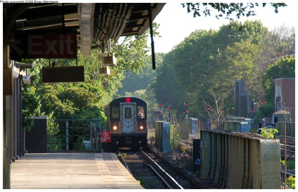(254k, 1044x674)<br><b>Country:</b> United States<br><b>City:</b> New York<br><b>System:</b> New York City Transit<br><b>Line:</b> IRT Dyre Ave. Line<br><b>Location:</b> Morris Park <br><b>Route:</b> 5<br><b>Car:</b> R-142 (Primary Order, Bombardier, 1999-2002)  6835 <br><b>Photo by:</b> Brian Weinberg<br><b>Date:</b> 5/25/2008<br><b>Viewed (this week/total):</b> 1 / 2770
