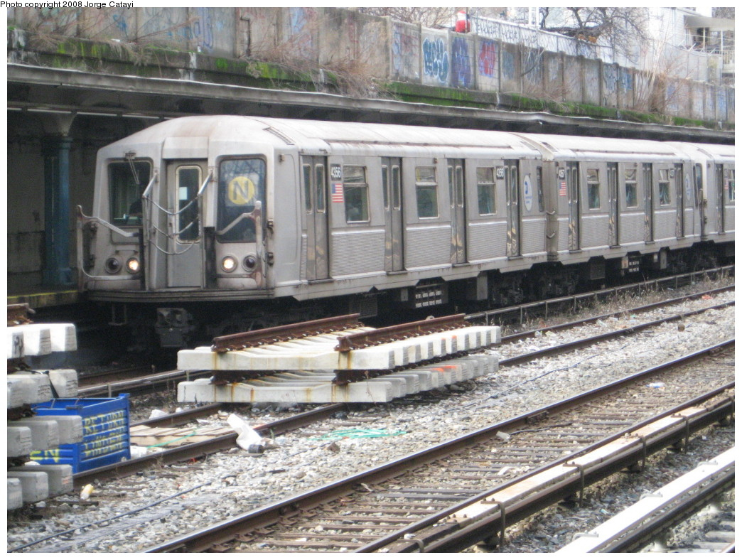 (279k, 1044x788)<br><b>Country:</b> United States<br><b>City:</b> New York<br><b>System:</b> New York City Transit<br><b>Line:</b> BMT Sea Beach Line<br><b>Location:</b> 18th Avenue <br><b>Route:</b> N<br><b>Car:</b> R-40 (St. Louis, 1968)  4356 <br><b>Photo by:</b> Jorge Catayi<br><b>Date:</b> 2/6/2008<br><b>Viewed (this week/total):</b> 0 / 2044
