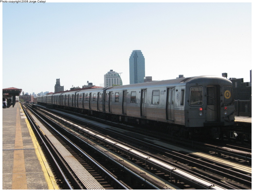 (183k, 1044x788)<br><b>Country:</b> United States<br><b>City:</b> New York<br><b>System:</b> New York City Transit<br><b>Line:</b> BMT Astoria Line<br><b>Location:</b> 36th/Washington Aves. <br><b>Route:</b> Q reroute<br><b>Car:</b> R-68A (Kawasaki, 1988-1989)  5154 <br><b>Photo by:</b> Jorge Catayi<br><b>Date:</b> 5/25/2008<br><b>Viewed (this week/total):</b> 1 / 1449