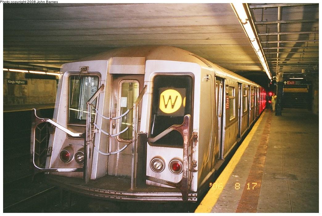 (268k, 1044x699)<br><b>Country:</b> United States<br><b>City:</b> New York<br><b>System:</b> New York City Transit<br><b>Line:</b> BMT Sea Beach Line<br><b>Location:</b> Kings Highway <br><b>Route:</b> W<br><b>Car:</b> R-40 (St. Louis, 1968)  4320 <br><b>Photo by:</b> John Barnes<br><b>Date:</b> 8/17/2006<br><b>Viewed (this week/total):</b> 0 / 1655