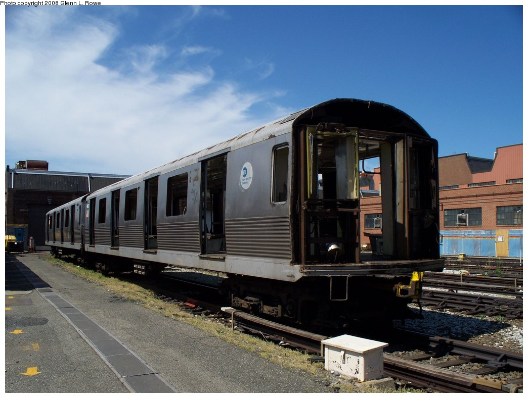 (214k, 1044x788)<br><b>Country:</b> United States<br><b>City:</b> New York<br><b>System:</b> New York City Transit<br><b>Location:</b> 207th Street Yard<br><b>Car:</b> R-42 (St. Louis, 1969-1970)  4863 <br><b>Photo by:</b> Glenn L. Rowe<br><b>Date:</b> 5/28/2008<br><b>Viewed (this week/total):</b> 1 / 1008