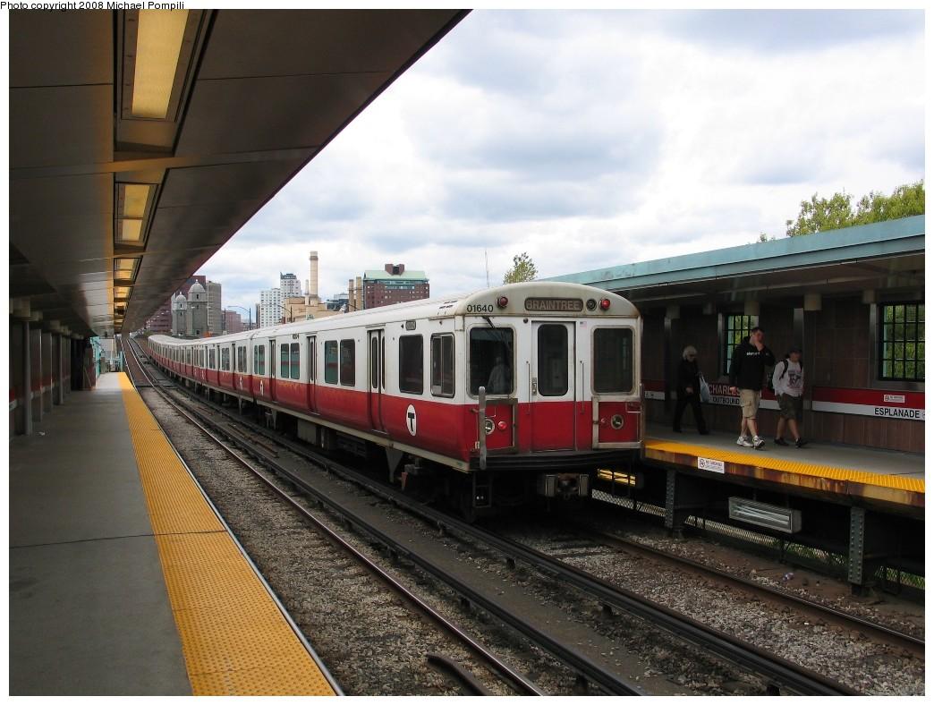 (205k, 1044x788)<br><b>Country:</b> United States<br><b>City:</b> Boston, MA<br><b>System:</b> MBTA<br><b>Line:</b> MBTA Red Line<br><b>Location:</b> Charles/MGH<br><b>Car:</b> MBTA 01600 Series (Pullman-Standard, 1969-1970) 01640 <br><b>Photo by:</b> Michael Pompili<br><b>Date:</b> 5/22/2008<br><b>Viewed (this week/total):</b> 0 / 1398