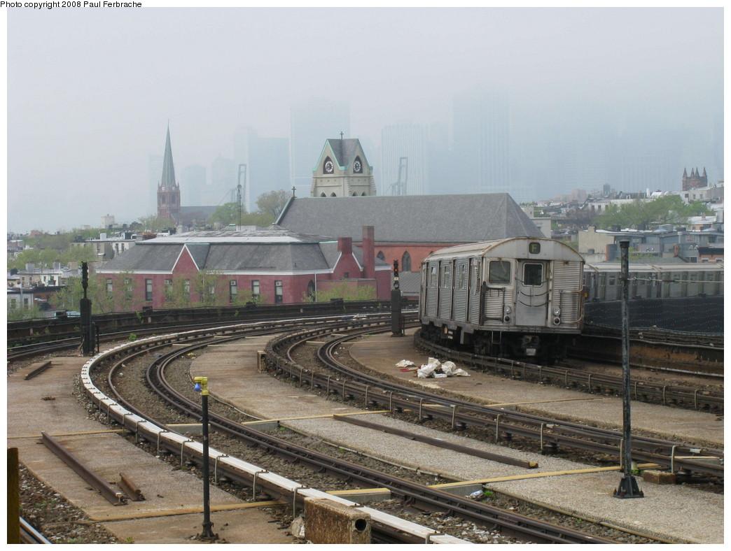 (221k, 1044x788)<br><b>Country:</b> United States<br><b>City:</b> New York<br><b>System:</b> New York City Transit<br><b>Line:</b> IND Crosstown Line<br><b>Location:</b> Smith/9th Street <br><b>Route:</b> F<br><b>Car:</b> R-32 (Budd, 1964)  3807 <br><b>Photo by:</b> Paul Ferbrache<br><b>Date:</b> 5/2/2008<br><b>Viewed (this week/total):</b> 0 / 1892
