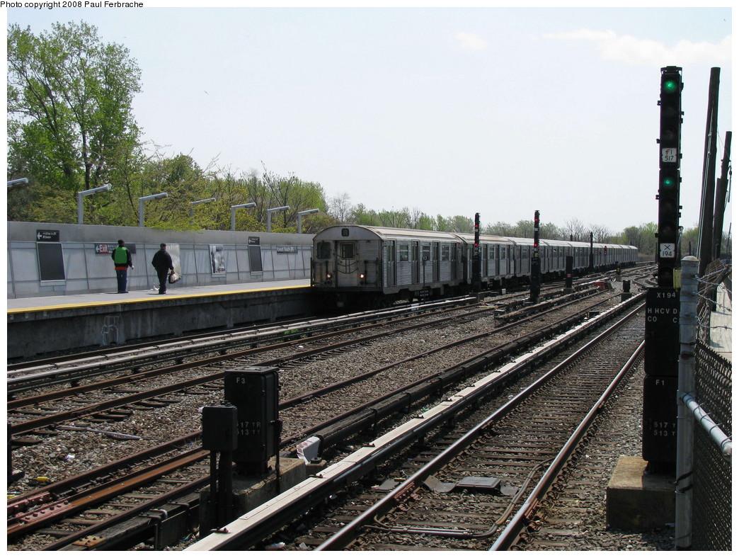 (291k, 1044x788)<br><b>Country:</b> United States<br><b>City:</b> New York<br><b>System:</b> New York City Transit<br><b>Line:</b> IND Rockaway<br><b>Location:</b> Howard Beach <br><b>Route:</b> A<br><b>Car:</b> R-32 (Budd, 1964)  3928 <br><b>Photo by:</b> Paul Ferbrache<br><b>Date:</b> 4/30/2008<br><b>Viewed (this week/total):</b> 0 / 1562