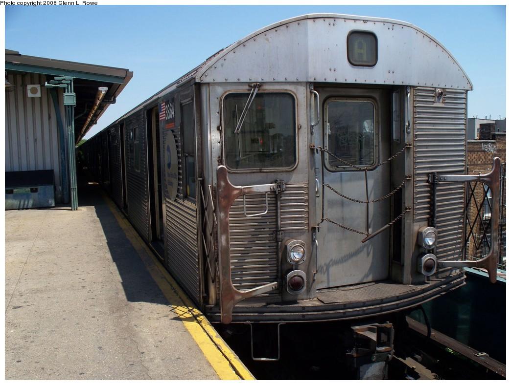 (227k, 1044x788)<br><b>Country:</b> United States<br><b>City:</b> New York<br><b>System:</b> New York City Transit<br><b>Line:</b> IND Fulton Street Line<br><b>Location:</b> Lefferts Boulevard <br><b>Route:</b> A<br><b>Car:</b> R-32 (Budd, 1964)  3864 <br><b>Photo by:</b> Glenn L. Rowe<br><b>Date:</b> 6/3/2008<br><b>Viewed (this week/total):</b> 0 / 1423
