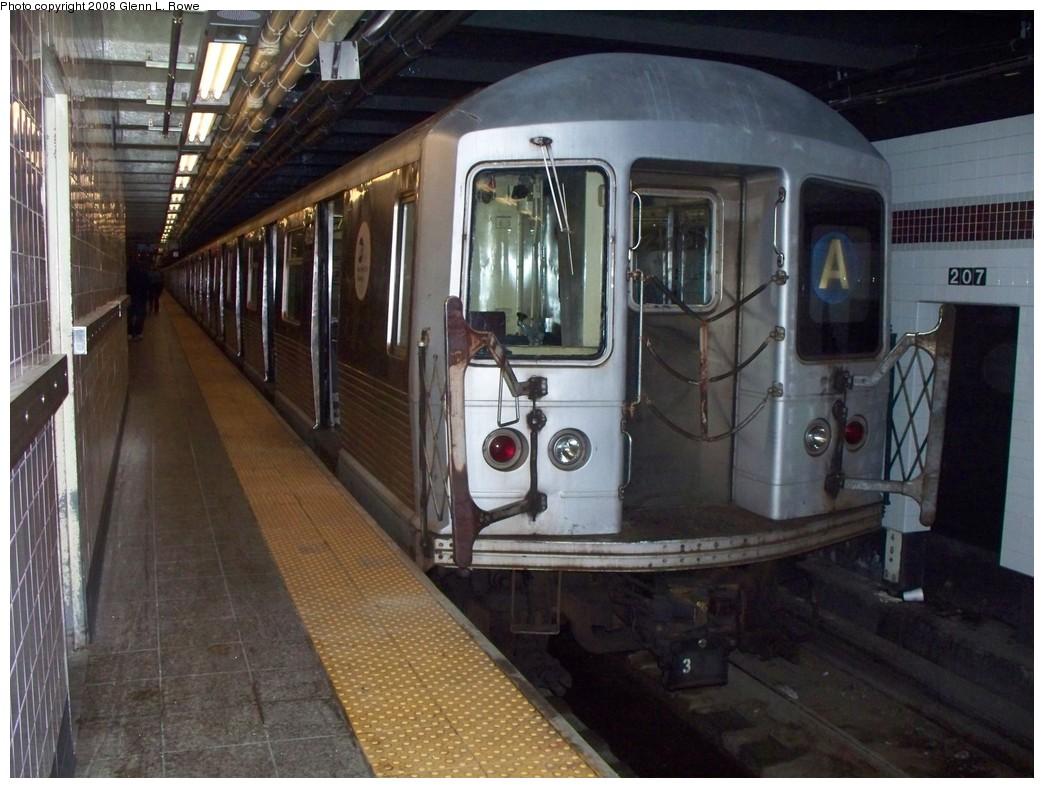 (215k, 1044x788)<br><b>Country:</b> United States<br><b>City:</b> New York<br><b>System:</b> New York City Transit<br><b>Line:</b> IND 8th Avenue Line<br><b>Location:</b> 207th Street <br><b>Route:</b> A<br><b>Car:</b> R-42 (St. Louis, 1969-1970)  4609 <br><b>Photo by:</b> Glenn L. Rowe<br><b>Date:</b> 6/3/2008<br><b>Viewed (this week/total):</b> 0 / 1638