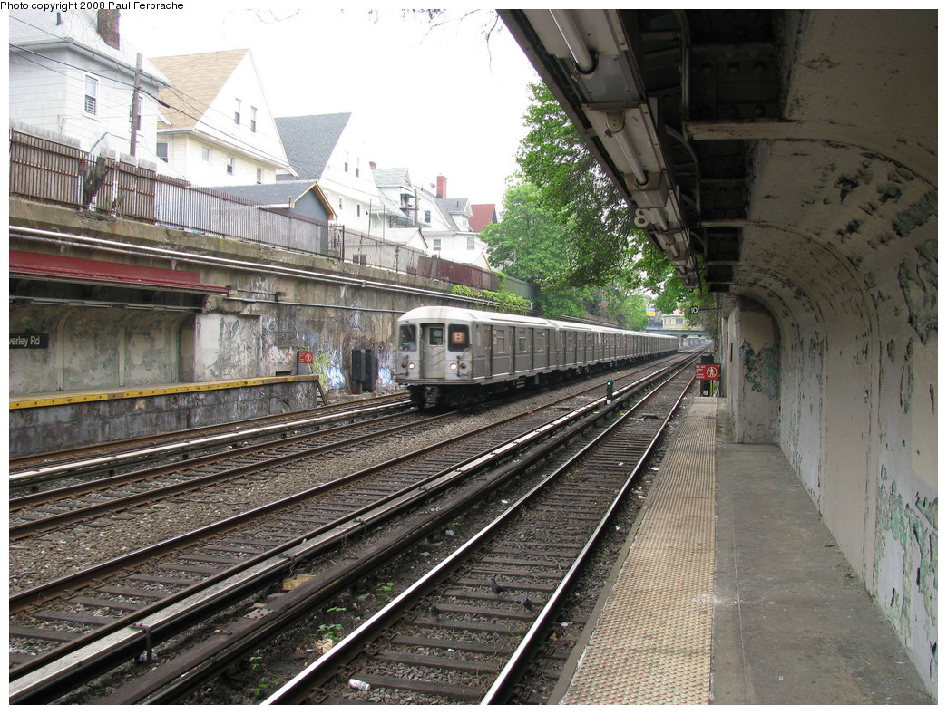 (304k, 1044x788)<br><b>Country:</b> United States<br><b>City:</b> New York<br><b>System:</b> New York City Transit<br><b>Line:</b> BMT Brighton Line<br><b>Location:</b> Beverley Road <br><b>Route:</b> B<br><b>Car:</b> R-40M (St. Louis, 1969)  4492 <br><b>Photo by:</b> Paul Ferbrache<br><b>Date:</b> 5/2/2008<br><b>Viewed (this week/total):</b> 0 / 1956