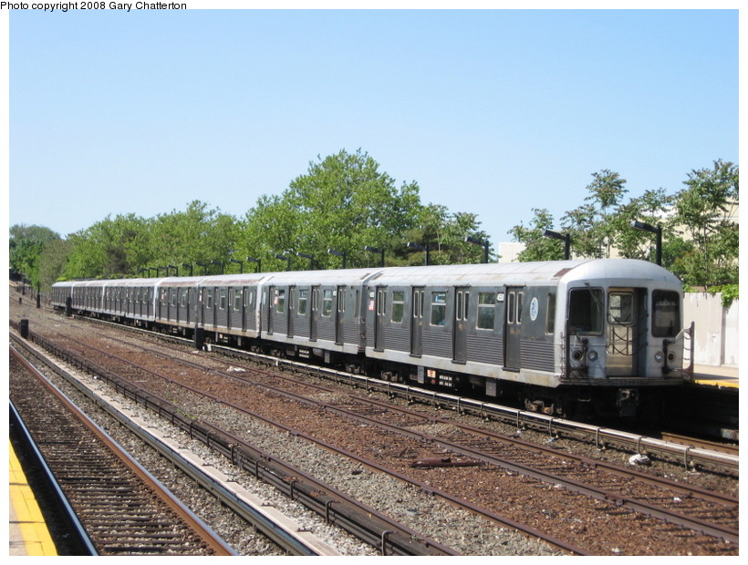 (169k, 820x620)<br><b>Country:</b> United States<br><b>City:</b> New York<br><b>System:</b> New York City Transit<br><b>Line:</b> IND Rockaway<br><b>Location:</b> Aqueduct/North Conduit Avenue <br><b>Route:</b> A<br><b>Car:</b> R-42 (St. Louis, 1969-1970)  4550 <br><b>Photo by:</b> Gary Chatterton<br><b>Date:</b> 5/28/2008<br><b>Viewed (this week/total):</b> 2 / 1548