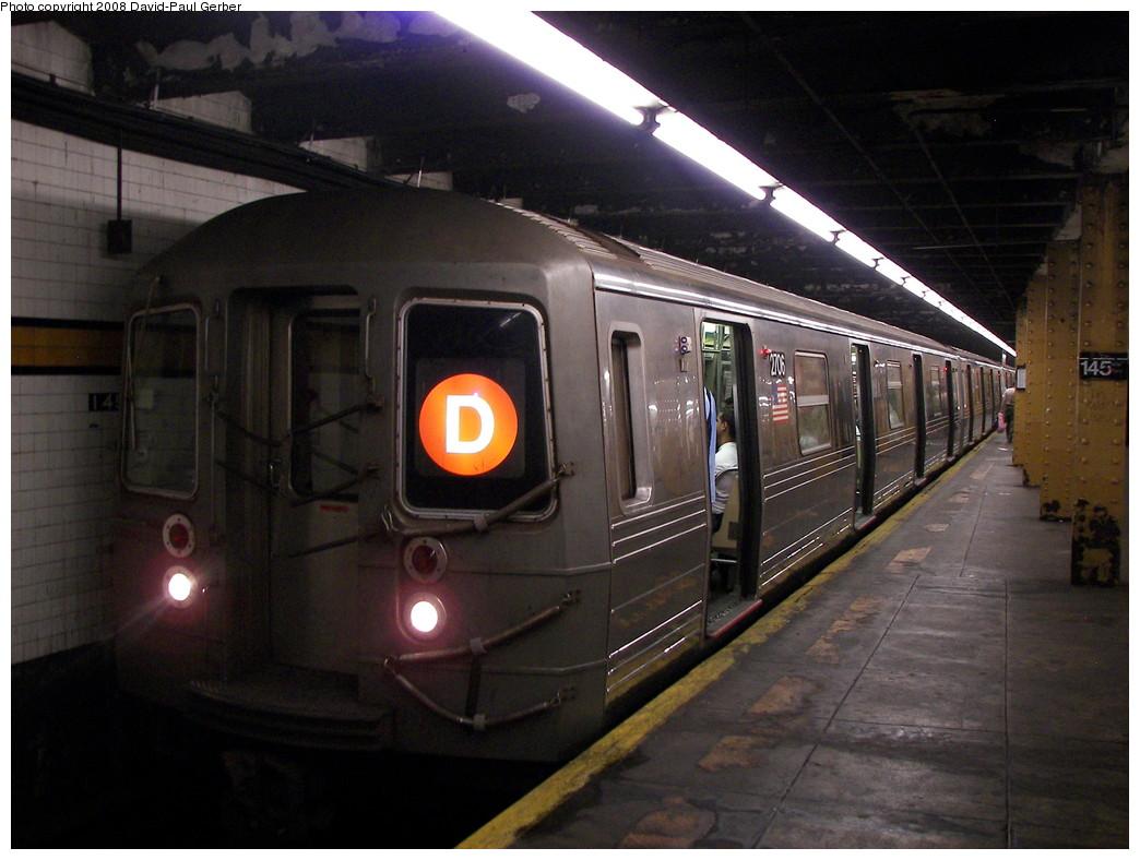 (253k, 1044x788)<br><b>Country:</b> United States<br><b>City:</b> New York<br><b>System:</b> New York City Transit<br><b>Line:</b> IND Concourse Line<br><b>Location:</b> 145th Street <br><b>Route:</b> D<br><b>Car:</b> R-68 (Westinghouse-Amrail, 1986-1988)  2706 <br><b>Photo by:</b> David-Paul Gerber<br><b>Date:</b> 6/5/2008<br><b>Viewed (this week/total):</b> 0 / 1255