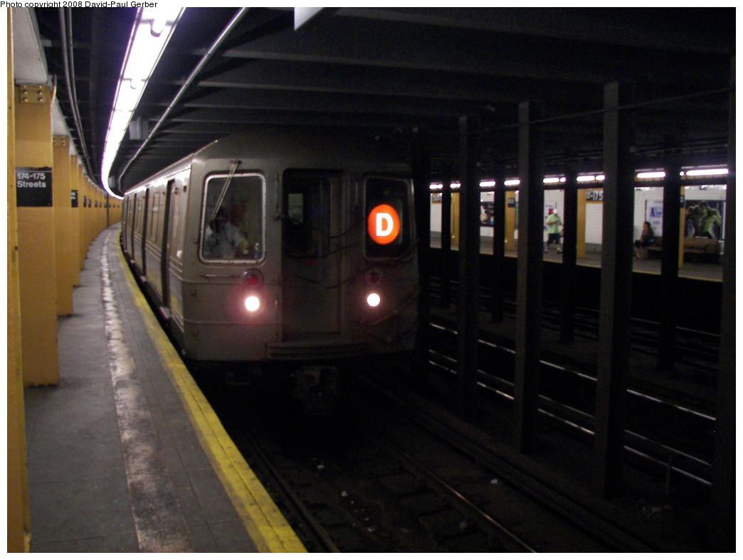 (239k, 1044x788)<br><b>Country:</b> United States<br><b>City:</b> New York<br><b>System:</b> New York City Transit<br><b>Line:</b> IND Concourse Line<br><b>Location:</b> 174th/175th Street <br><b>Route:</b> D<br><b>Car:</b> R-68 (Westinghouse-Amrail, 1986-1988)  2720 <br><b>Photo by:</b> David-Paul Gerber<br><b>Date:</b> 6/6/2008<br><b>Viewed (this week/total):</b> 1 / 2430