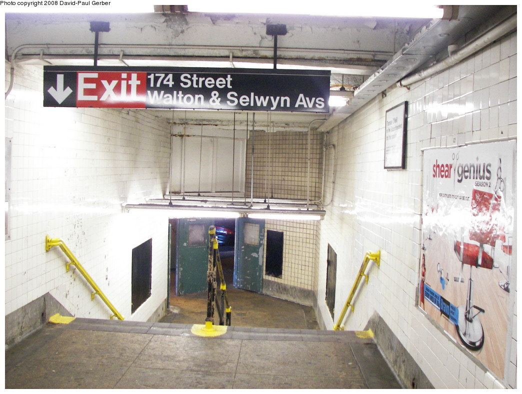 (271k, 1044x788)<br><b>Country:</b> United States<br><b>City:</b> New York<br><b>System:</b> New York City Transit<br><b>Line:</b> IND Concourse Line<br><b>Location:</b> 174th/175th Street <br><b>Photo by:</b> David-Paul Gerber<br><b>Date:</b> 6/6/2008<br><b>Notes:</b> Stairway from mezzanine down to station entrance under Concourse at 174th St.<br><b>Viewed (this week/total):</b> 0 / 2351