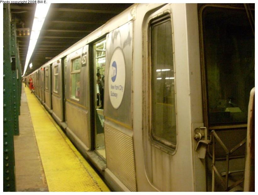 (150k, 820x620)<br><b>Country:</b> United States<br><b>City:</b> New York<br><b>System:</b> New York City Transit<br><b>Line:</b> IND 6th Avenue Line<br><b>Location:</b> West 4th Street/Washington Square <br><b>Route:</b> D<br><b>Car:</b> R-40 (St. Louis, 1968)  4257 <br><b>Photo by:</b> Bill E.<br><b>Date:</b> 6/1/2008<br><b>Viewed (this week/total):</b> 3 / 1601
