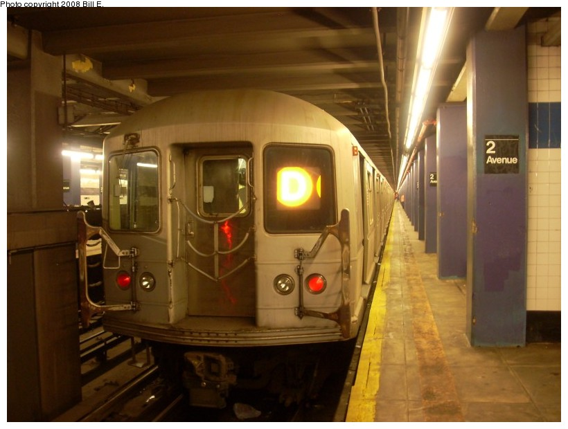(140k, 820x620)<br><b>Country:</b> United States<br><b>City:</b> New York<br><b>System:</b> New York City Transit<br><b>Line:</b> IND 6th Avenue Line<br><b>Location:</b> 2nd Avenue <br><b>Route:</b> D<br><b>Car:</b> R-40M (St. Louis, 1969)  4517 <br><b>Photo by:</b> Bill E.<br><b>Date:</b> 6/1/2008<br><b>Viewed (this week/total):</b> 1 / 2215