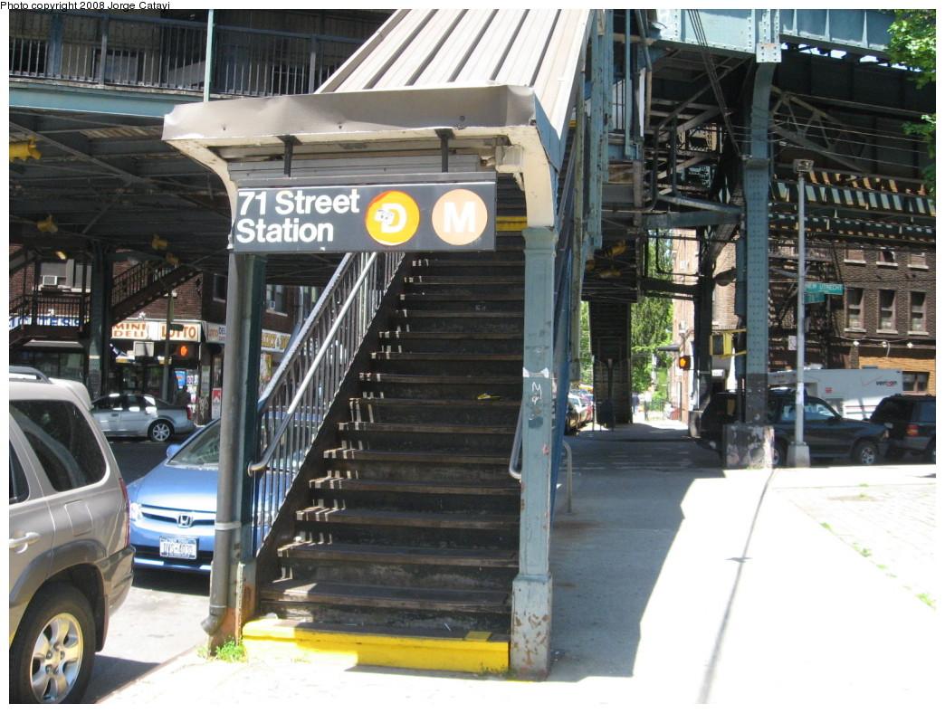 (241k, 1044x788)<br><b>Country:</b> United States<br><b>City:</b> New York<br><b>System:</b> New York City Transit<br><b>Line:</b> BMT West End Line<br><b>Location:</b> 71st Street <br><b>Photo by:</b> Jorge Catayi<br><b>Date:</b> 5/28/2008<br><b>Notes:</b> Station entrance.<br><b>Viewed (this week/total):</b> 1 / 1814