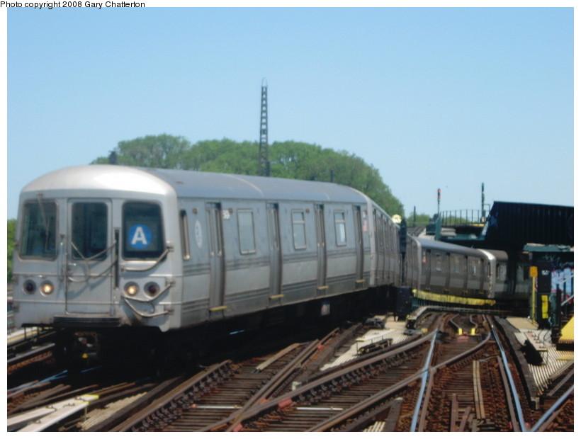 (103k, 820x620)<br><b>Country:</b> United States<br><b>City:</b> New York<br><b>System:</b> New York City Transit<br><b>Line:</b> IND Fulton Street Line<br><b>Location:</b> Rockaway Boulevard <br><b>Route:</b> A<br><b>Car:</b> R-44 (St. Louis, 1971-73) 5424 <br><b>Photo by:</b> Gary Chatterton<br><b>Date:</b> 5/28/2008<br><b>Viewed (this week/total):</b> 1 / 1274