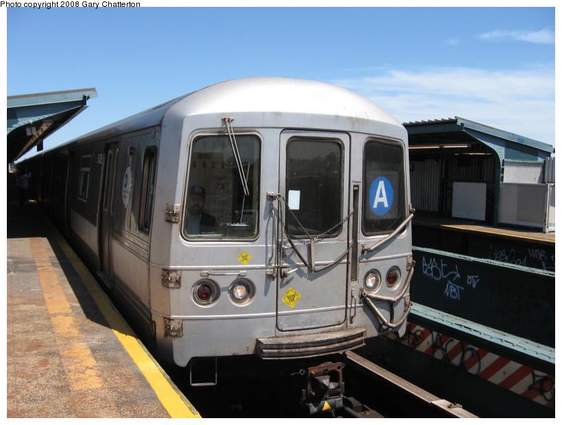(124k, 820x620)<br><b>Country:</b> United States<br><b>City:</b> New York<br><b>System:</b> New York City Transit<br><b>Line:</b> IND Fulton Street Line<br><b>Location:</b> 80th Street/Hudson Street <br><b>Route:</b> A<br><b>Car:</b> R-44 (St. Louis, 1971-73) 5426 <br><b>Photo by:</b> Gary Chatterton<br><b>Date:</b> 5/28/2008<br><b>Viewed (this week/total):</b> 1 / 1598