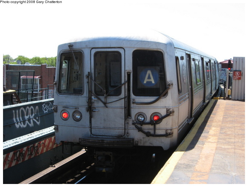 (110k, 820x620)<br><b>Country:</b> United States<br><b>City:</b> New York<br><b>System:</b> New York City Transit<br><b>Line:</b> IND Fulton Street Line<br><b>Location:</b> 80th Street/Hudson Street <br><b>Route:</b> A<br><b>Car:</b> R-44 (St. Louis, 1971-73) 5266 <br><b>Photo by:</b> Gary Chatterton<br><b>Date:</b> 5/28/2008<br><b>Viewed (this week/total):</b> 0 / 1770