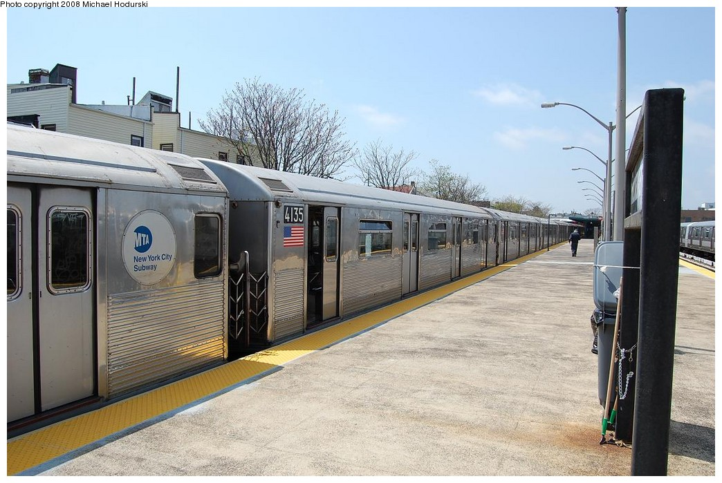 (247k, 1044x699)<br><b>Country:</b> United States<br><b>City:</b> New York<br><b>System:</b> New York City Transit<br><b>Line:</b> IND Rockaway<br><b>Location:</b> Rockaway Park/Beach 116th Street <br><b>Route:</b> A<br><b>Car:</b> R-38 (St. Louis, 1966-1967)  4135 <br><b>Photo by:</b> Michael Hodurski<br><b>Date:</b> 5/3/2008<br><b>Viewed (this week/total):</b> 1 / 1386