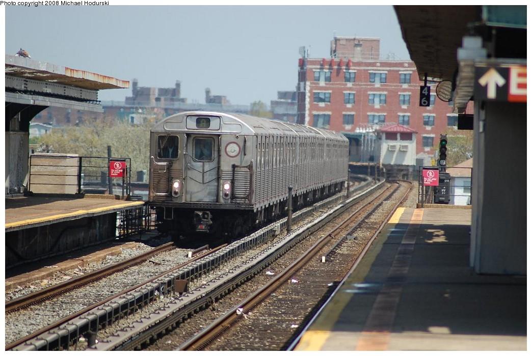(232k, 1044x699)<br><b>Country:</b> United States<br><b>City:</b> New York<br><b>System:</b> New York City Transit<br><b>Line:</b> IND Rockaway<br><b>Location:</b> Beach 105th Street/Seaside <br><b>Route:</b> A<br><b>Car:</b> R-38 (St. Louis, 1966-1967)  4141 <br><b>Photo by:</b> Michael Hodurski<br><b>Date:</b> 5/3/2008<br><b>Viewed (this week/total):</b> 1 / 2047